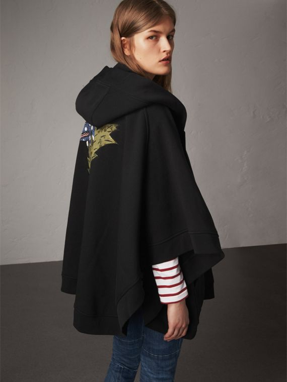 Beasts Motif Hooded Sweatshirt Poncho in Black