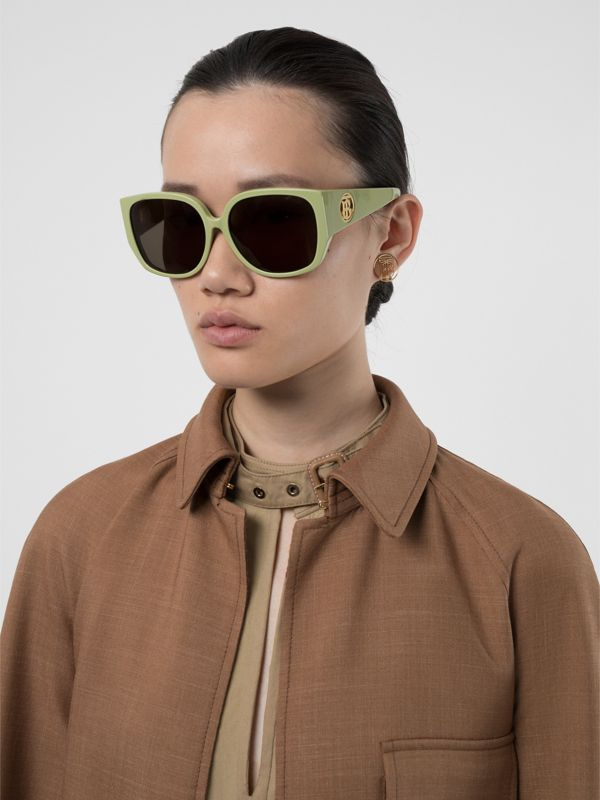 Oversized Butterfly Frame Sunglasses in Pistachio - Women | Burberry - cell image 2