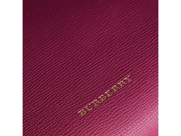 Bolsa Banner média de couro com recortes House Check (Fúcsia Brilhante) - Mulheres | Burberry - cell image 1