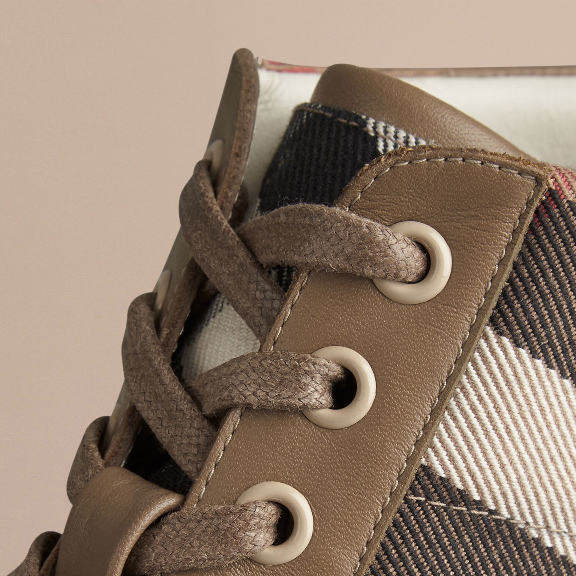 House check/olive House Check High-Top Trainers - gallery image 2