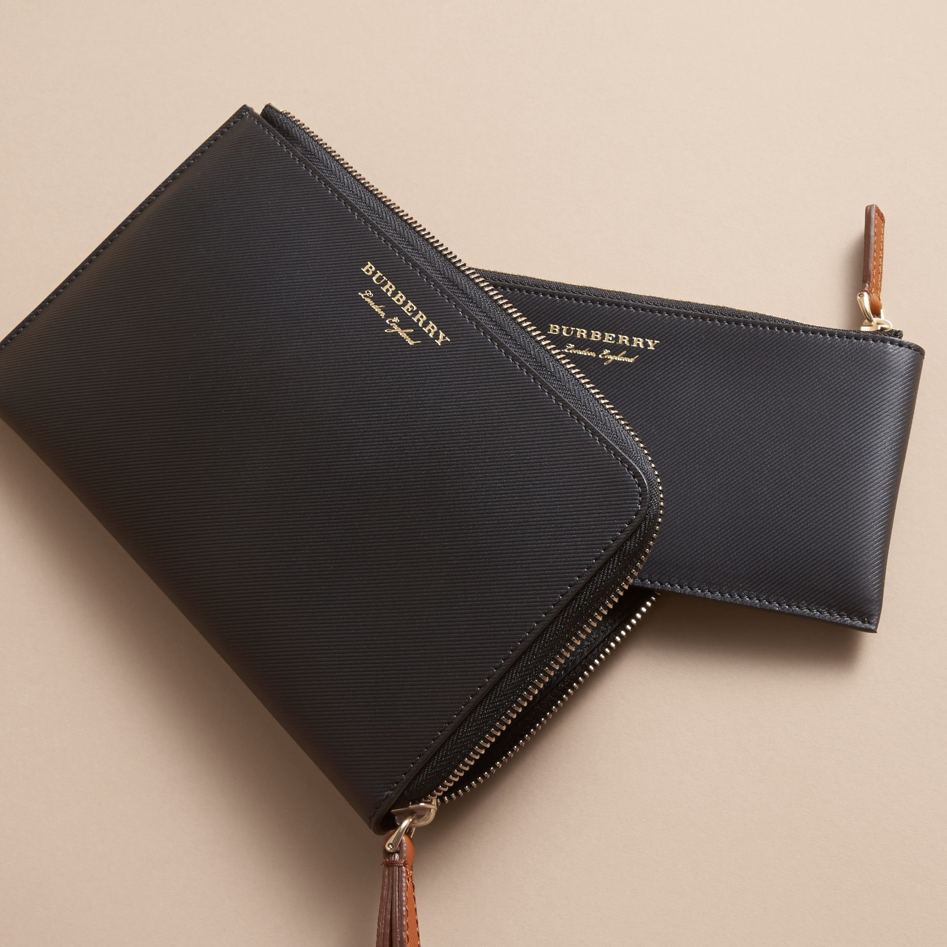 Two-tone Trench Leather Travel Wallet in Black - Men | Burberry - gallery image 4