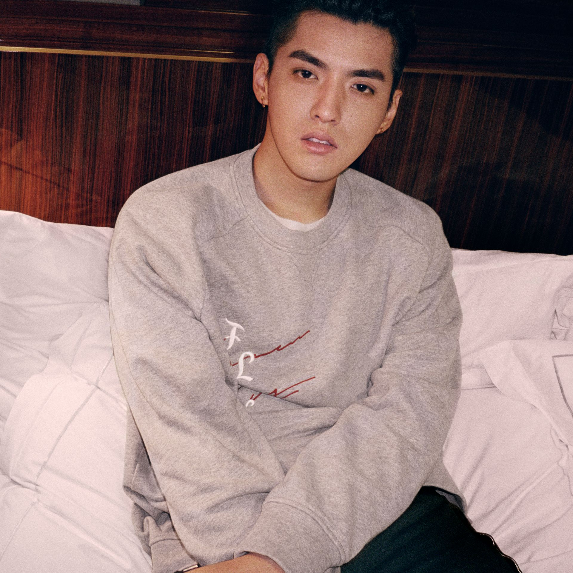 Burberry x Kris Wu Graphic Motif Sweatshirt in Pale Grey Melange - Men | Burberry United States - gallery image 4