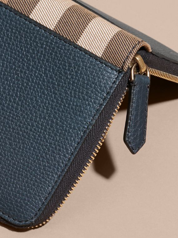 House Check and Grainy Leather Ziparound Wallet in Storm Blue | Burberry Singapore - cell image 3