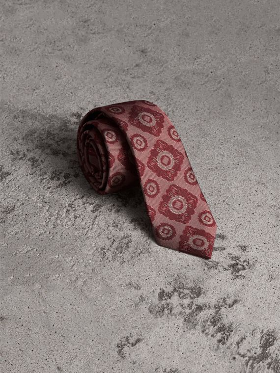 Slim Cut Tiled Floral Silk Jacquard Tie in Crimson Red