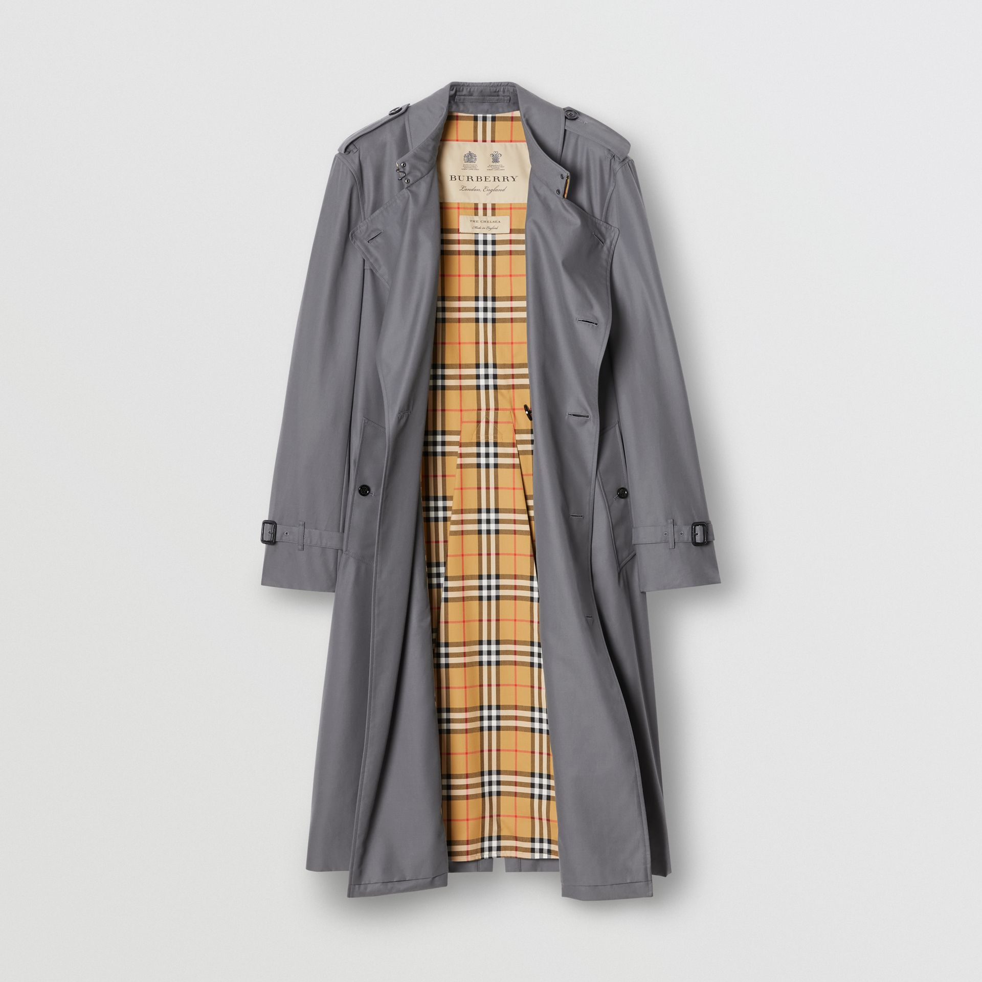 The Long Chelsea Heritage Trench Coat in Mid Grey - Men | Burberry United States - gallery image 8