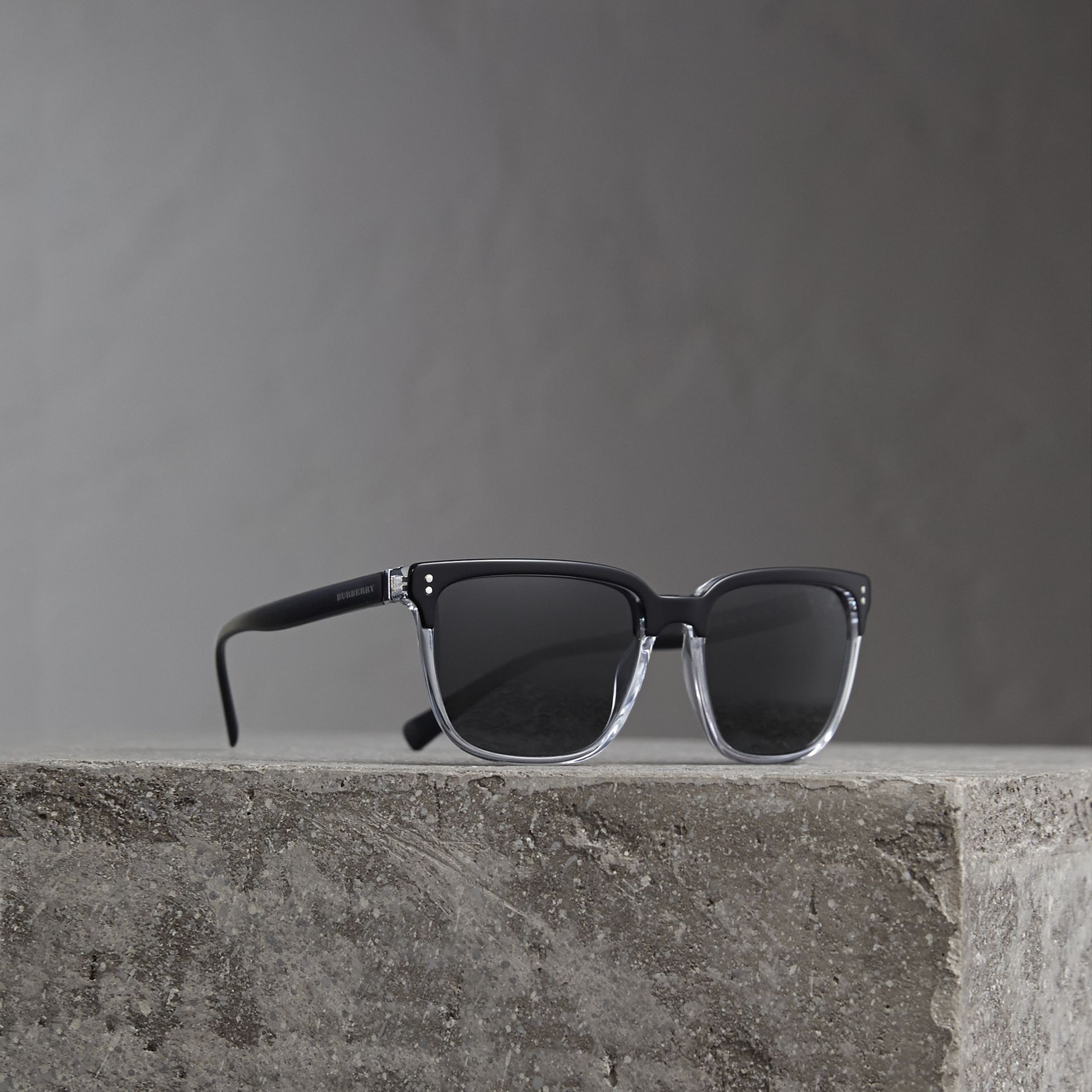 Square Frame Sunglasses in Black - Men | Burberry Singapore - gallery image 0