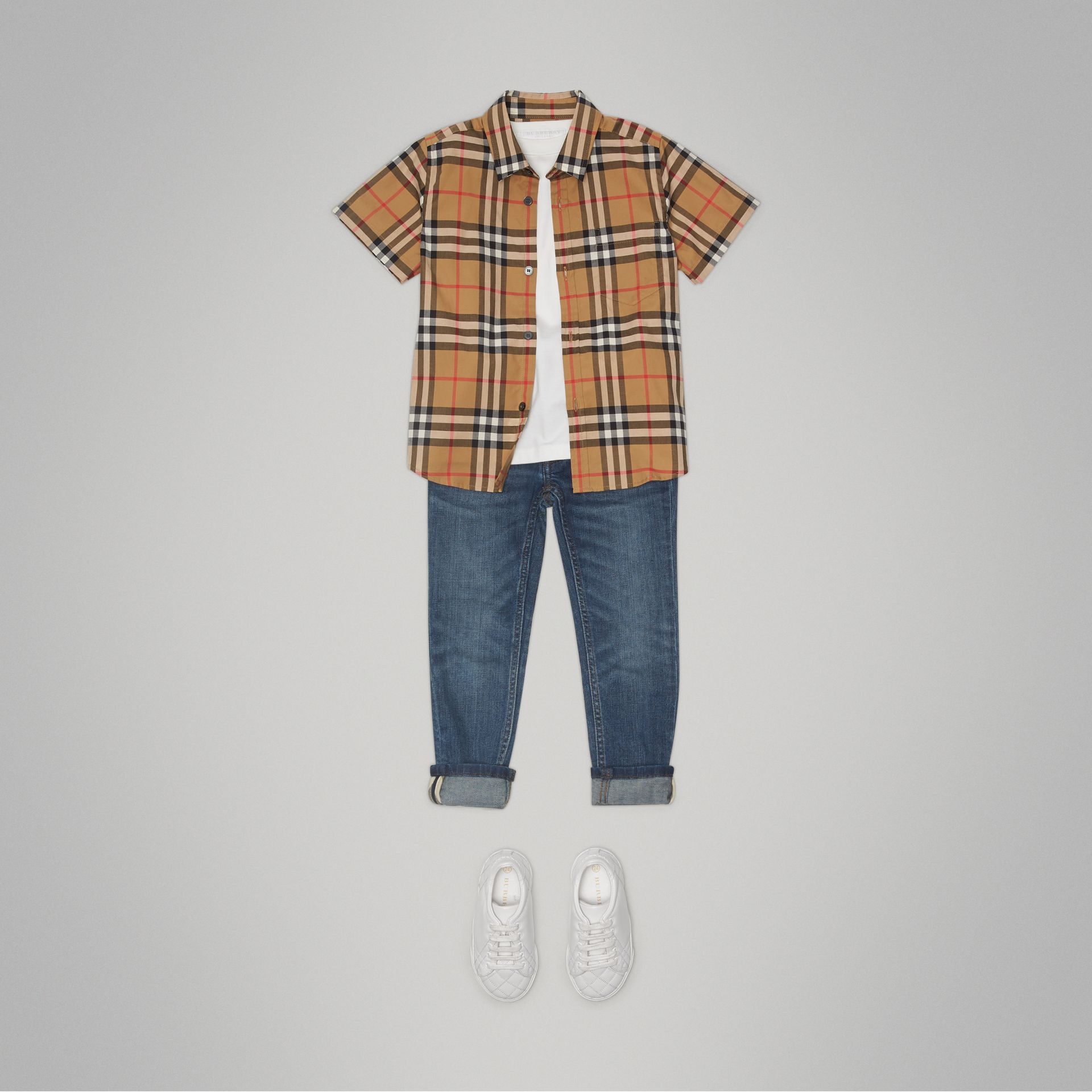 Short-sleeve Vintage Check Cotton Shirt in Antique Yellow - Boy | Burberry Australia - gallery image 2