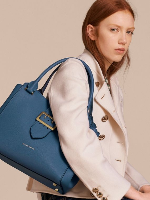 The Medium Buckle Tote in Grainy Leather in Steel Blue - Women | Burberry Australia - cell image 2