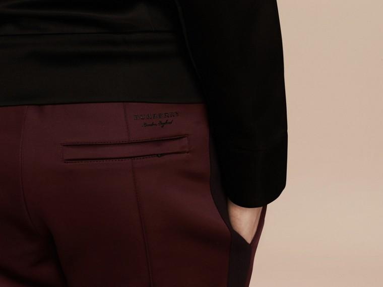 Viola granata Pantaloni tuta in tessuto lucido Viola Granata - cell image 4