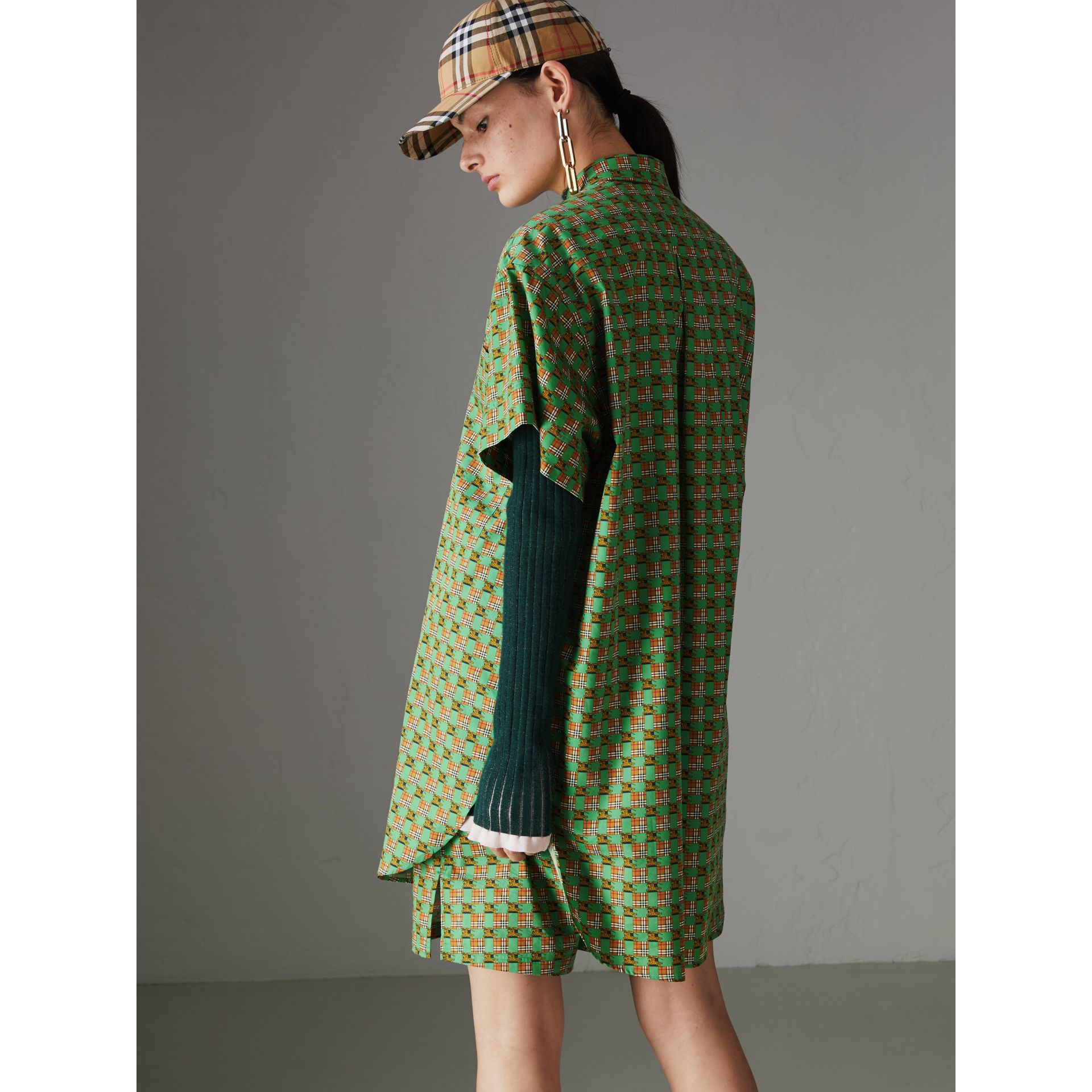 Equestrian Check Print Cotton Longline Shirt in Dark Forest Green - Women | Burberry - gallery image 2