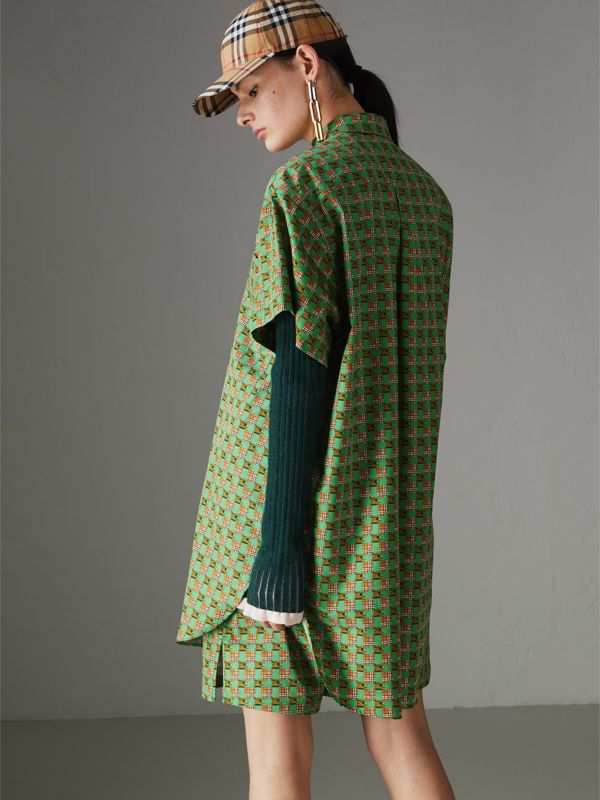 Short-sleeve Tiled Archive Print Cotton Shirt in Dark Forest Green - Women | Burberry - cell image 2