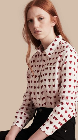 Chemise en lin avec imprimé à cœurs