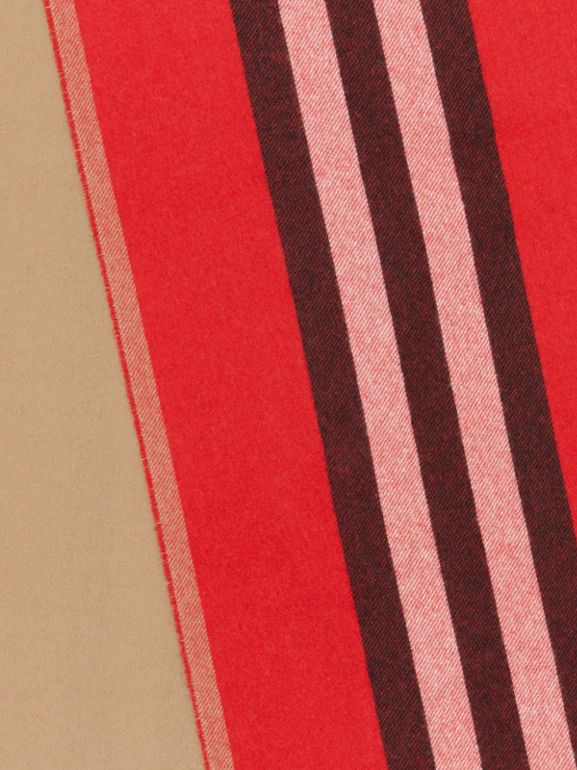 Reversible Icon Stripe Cashmere Scarf in Bright Red | Burberry - cell image 1