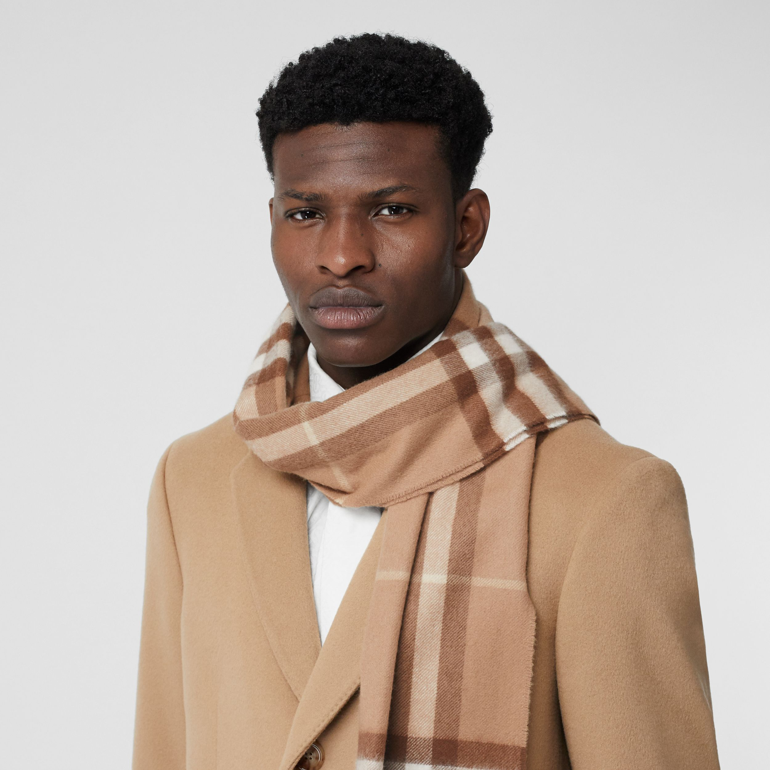 The Classic Check Cashmere Scarf in Mid Camel | Burberry - 4