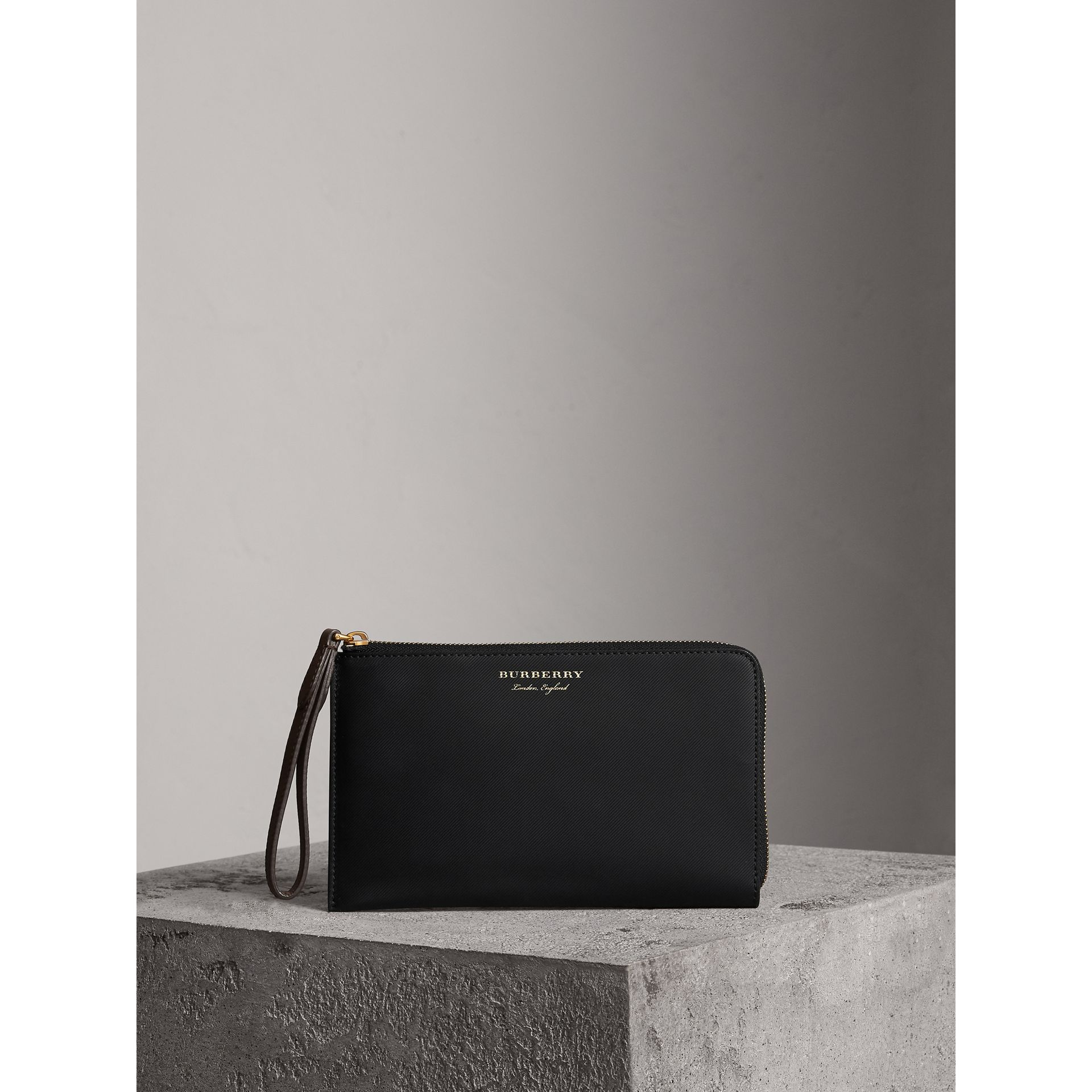 Two-tone Trench Leather Travel Wallet in Black - Men | Burberry United Kingdom - gallery image 0