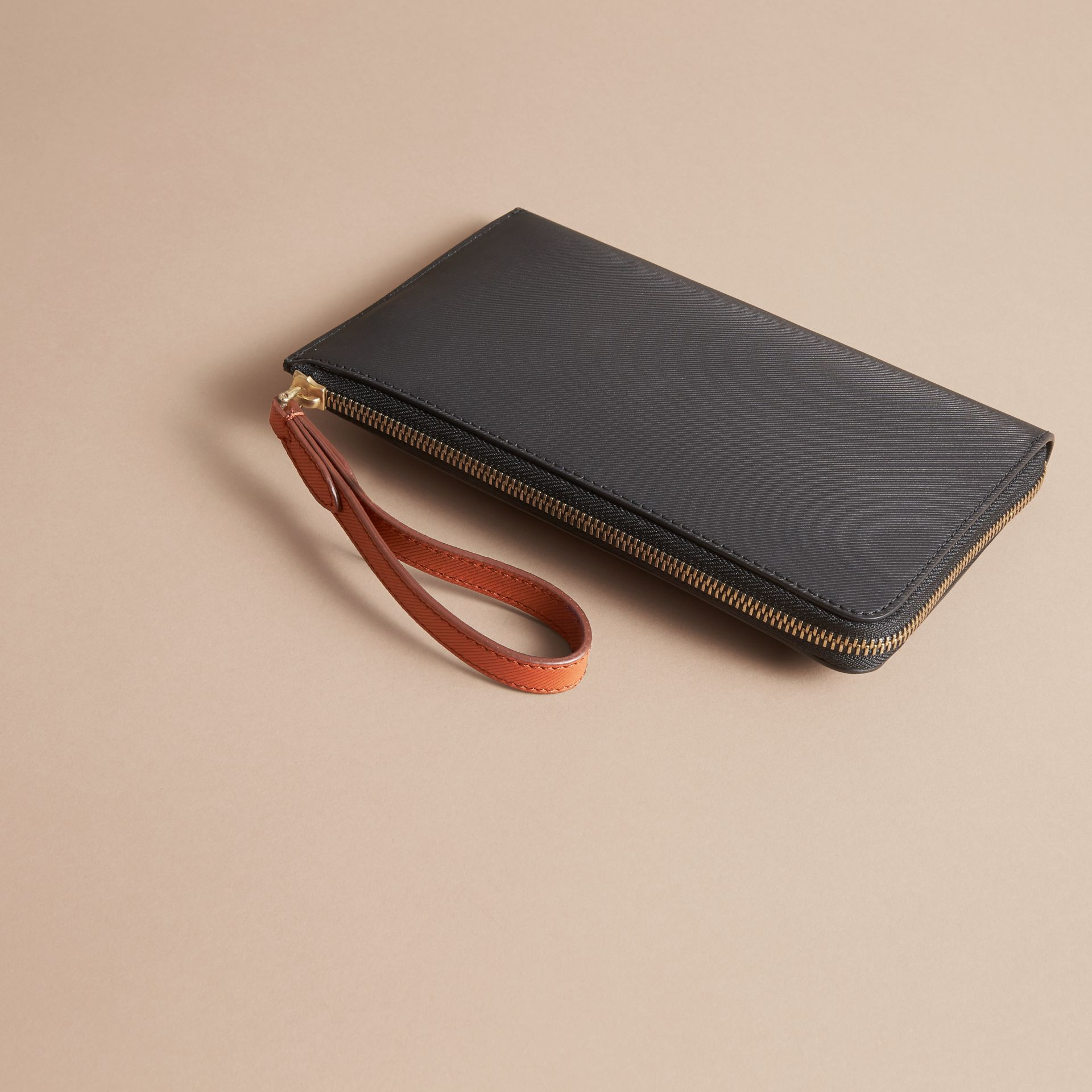 Two-tone Trench Leather Travel Wallet Black - gallery image 3
