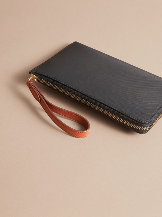 Two-tone Trench Leather Travel Wallet in Black - Men | Burberry Canada - cell image 2