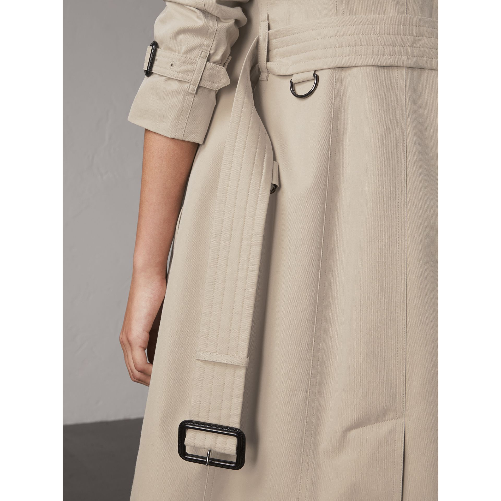The Sandringham – Extra-long Heritage Trench Coat in Stone - Women | Burberry - gallery image 6