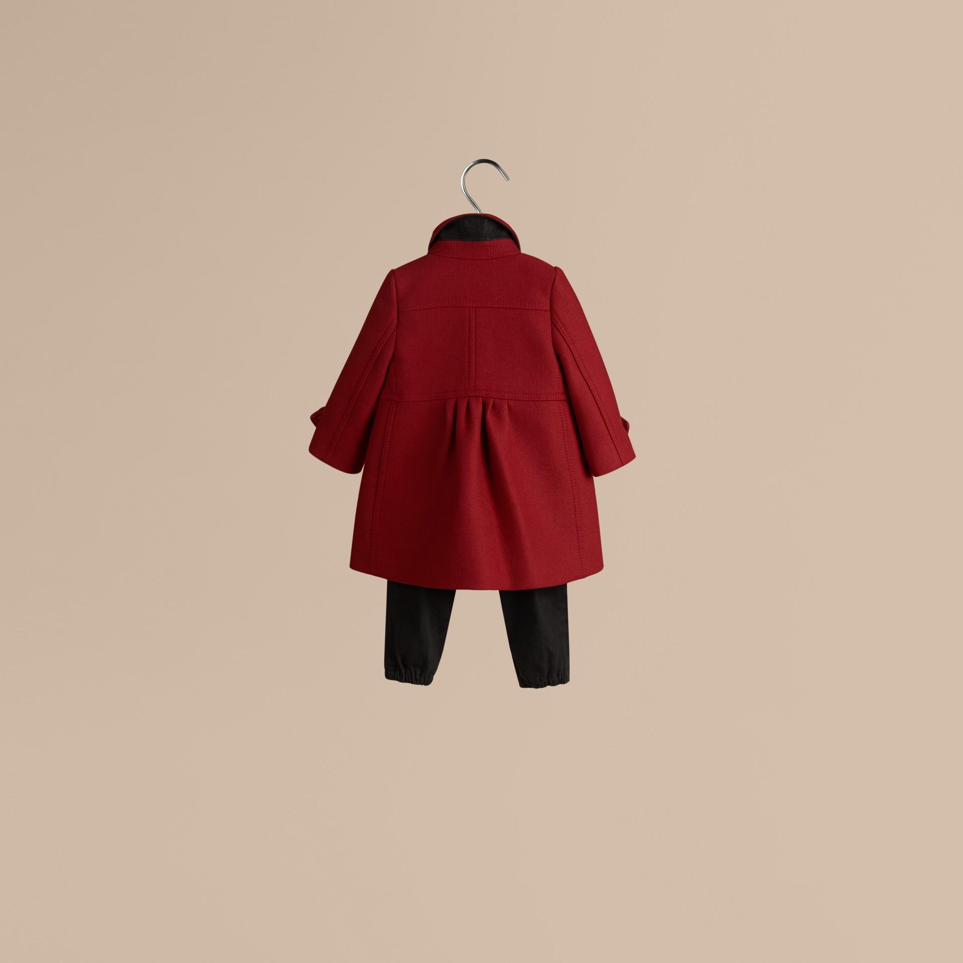 Rouge prune Manteau militaire ajusté en laine et cachemire mélangés - photo de la galerie 3