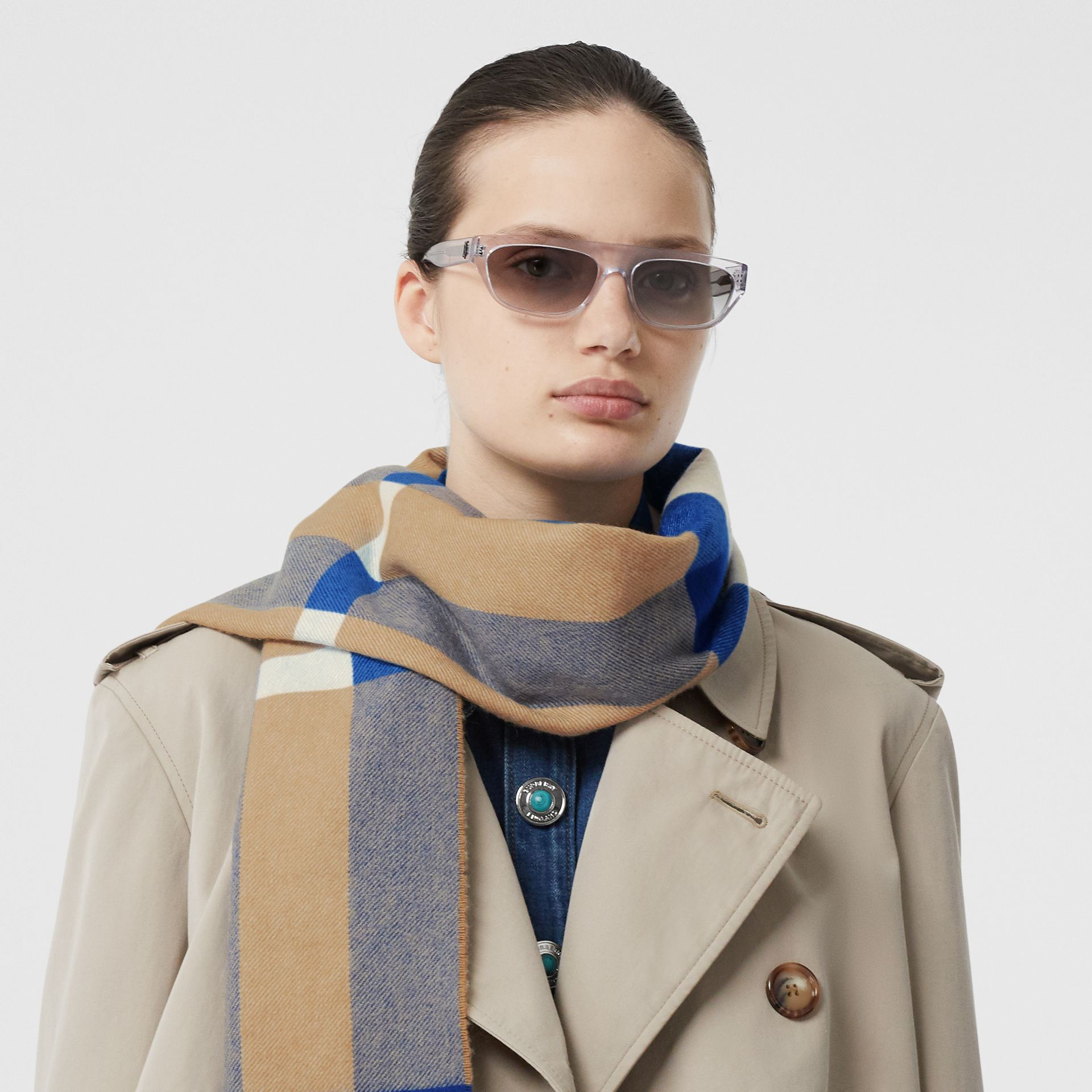 Check Cashmere Scarf in Arc Beige/inky Blue | Burberry Canada - gallery image 2