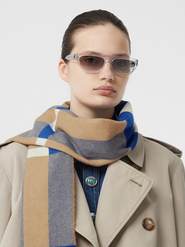 Check Cashmere Scarf in Arc Beige/inky Blue | Burberry - cell image 2