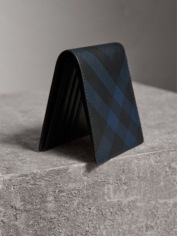 London Check ID Wallet in Navy/black - Men | Burberry - cell image 2