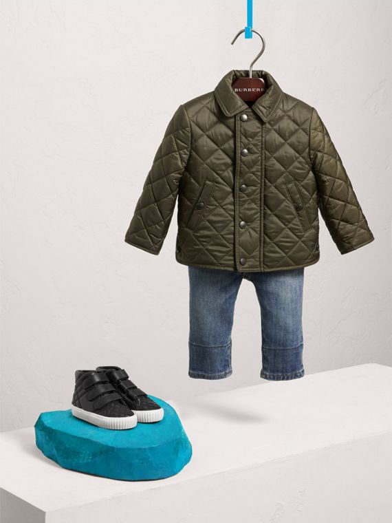 Lightweight Quilted Jacket in Olive | Burberry Canada - cell image 2