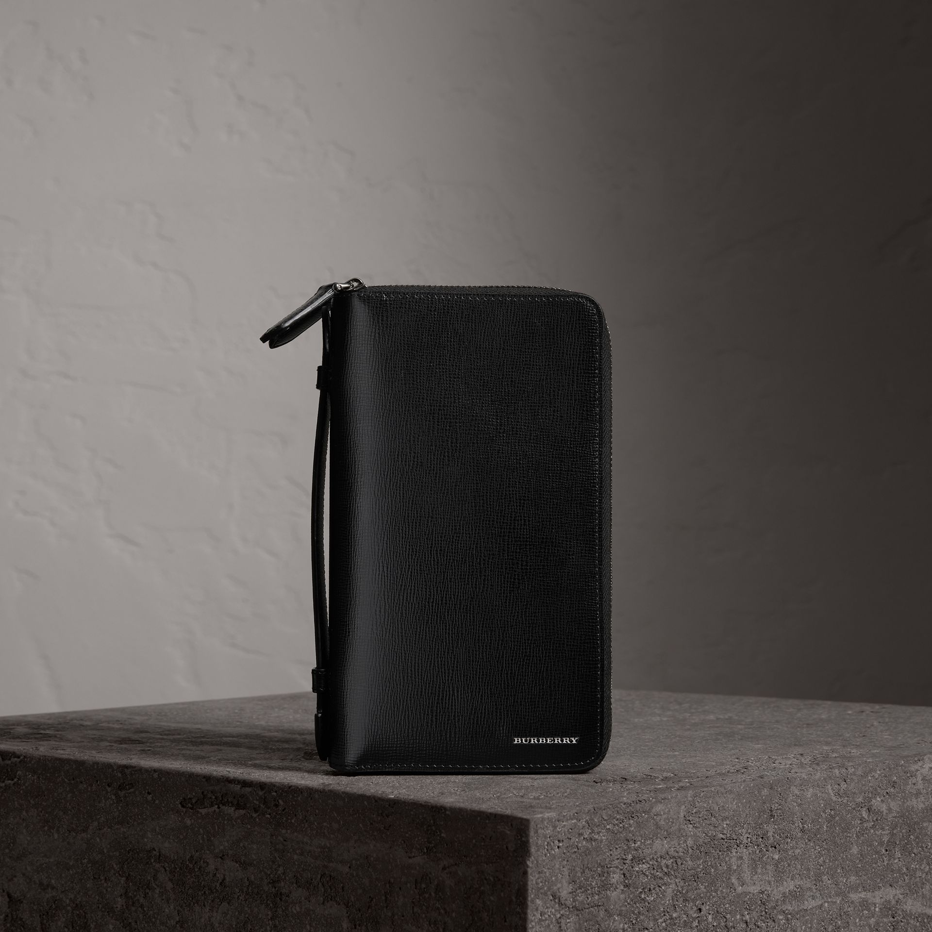 London Leather Travel Wallet in Black - Men | Burberry United Kingdom - gallery image 0
