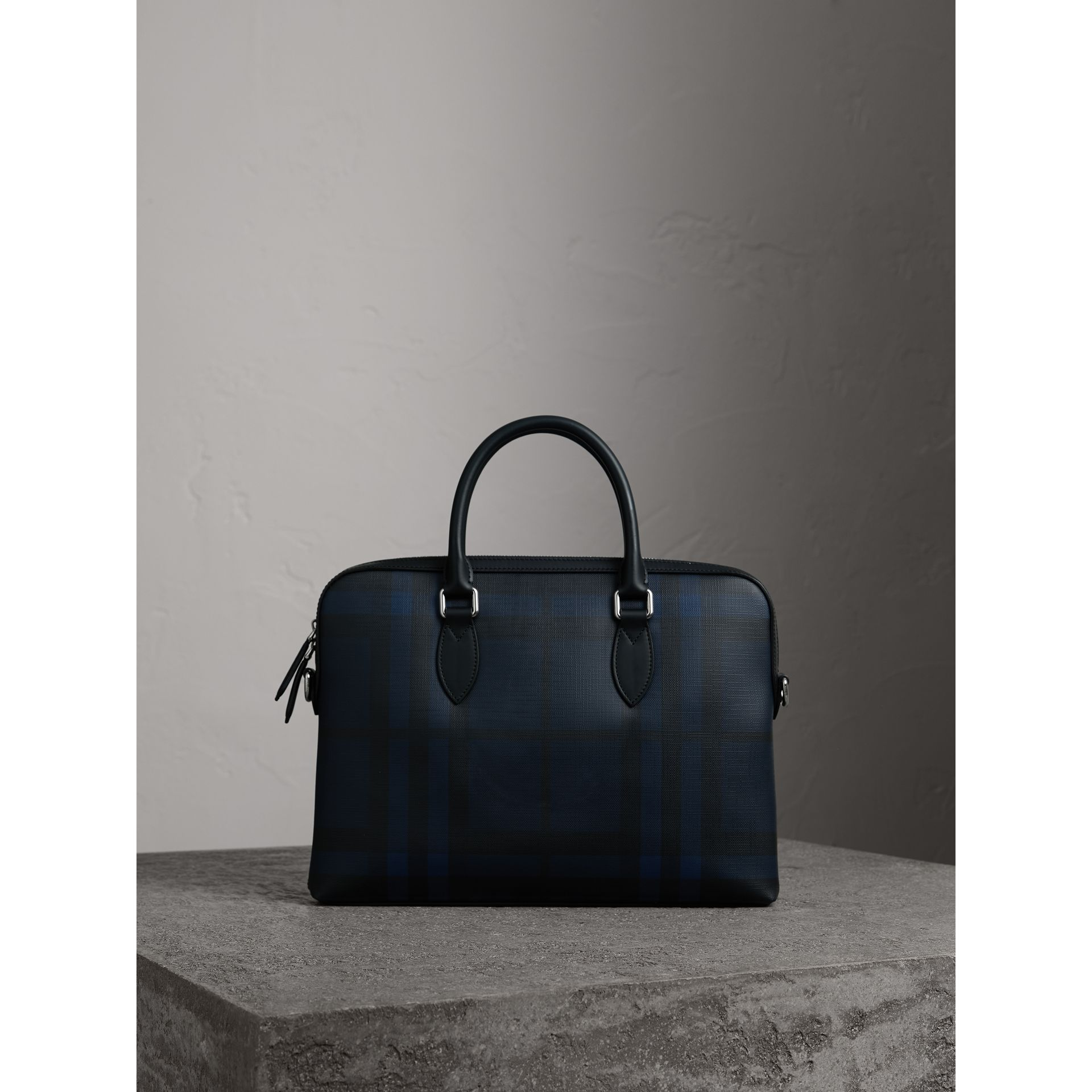 The Barrow sottile con motivo London check (Navy/nero) - Uomo | Burberry - immagine della galleria 0