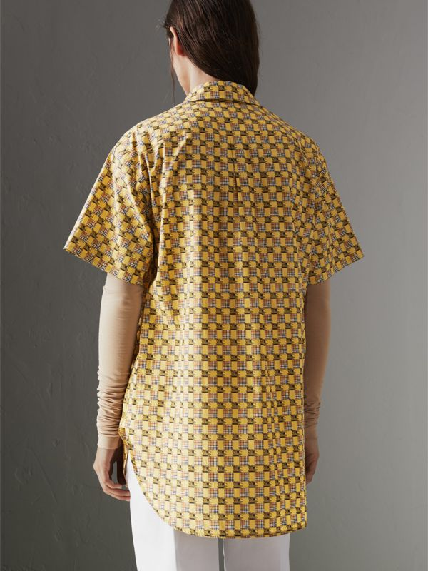 Short-sleeve Tiled Archive Print Cotton Shirt in Yellow - Women | Burberry - cell image 2