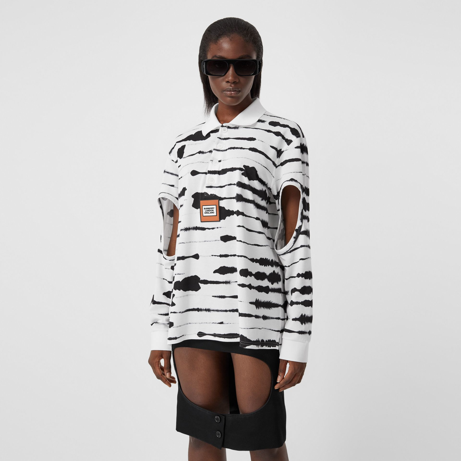 Cut-out Sleeve Watercolour Print Cotton Polo Shirt in Monochrome - Women | Burberry United Kingdom - gallery image 3