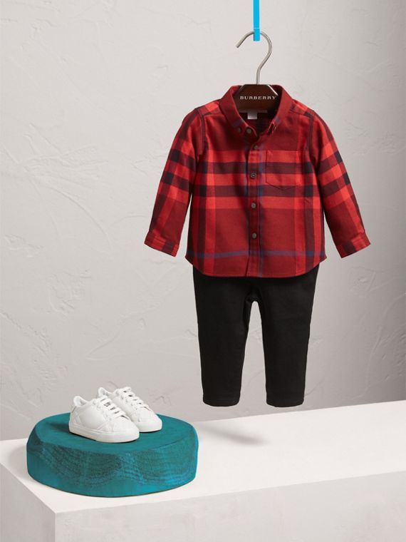 Button-down Collar Check Cotton Shirt in Mahogany Red