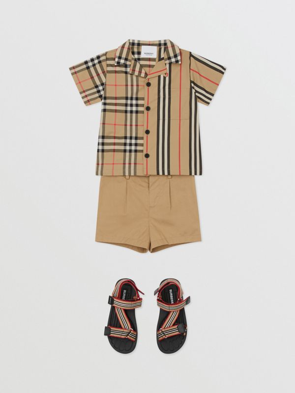 Short-sleeve Vintage Check and Icon Stripe Cotton Shirt in Archive Beige - Children | Burberry United States - cell image 2