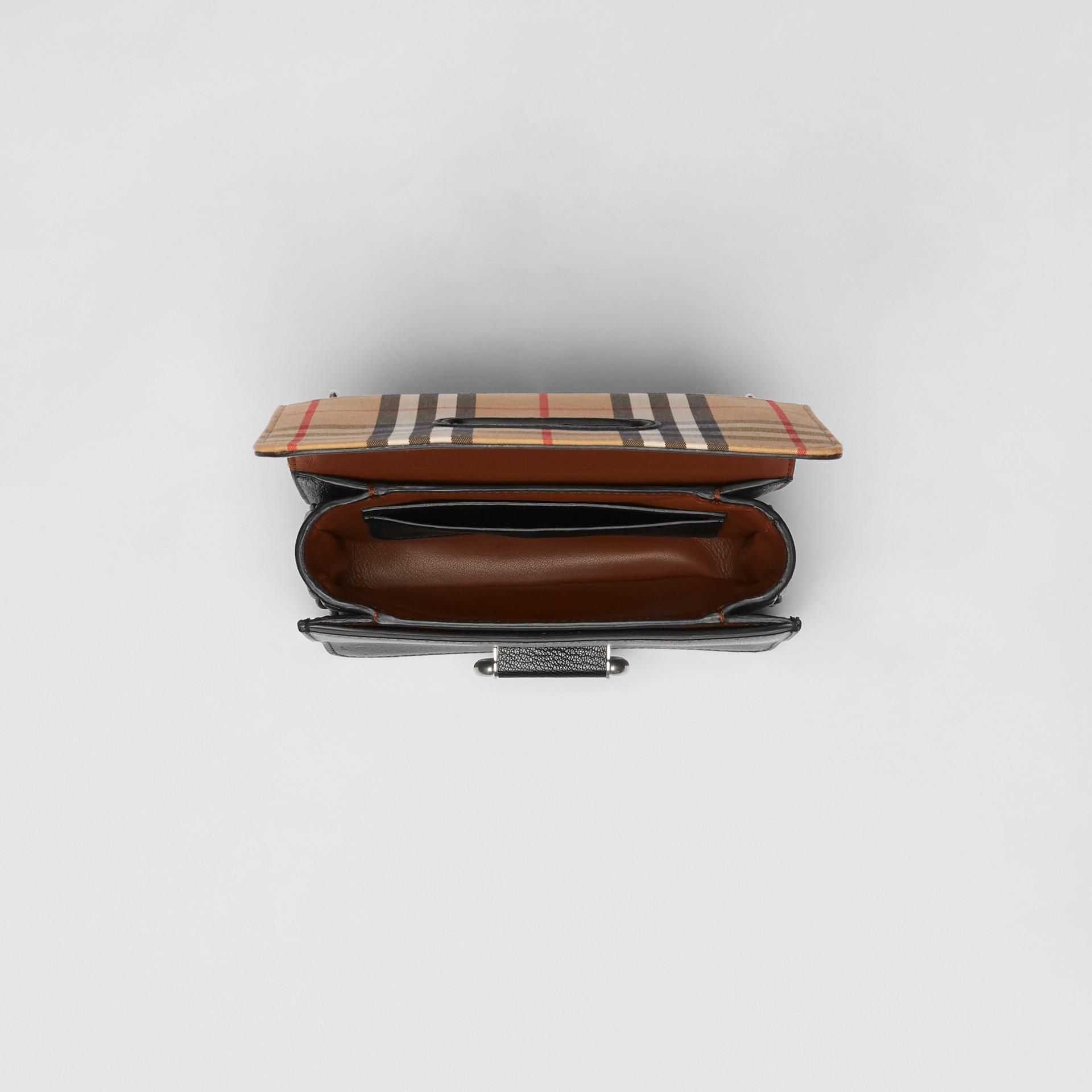 Petit sac TheD-ring en cuir et à motif Vintage check (Noir/jaune Antique) - Femme | Burberry - photo de la galerie 5