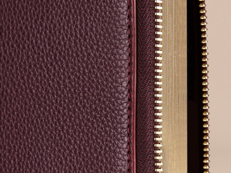 Ziparound Grainy Leather 18 Month 2016/17 A5 Diary in Dark Amethyst | Burberry - cell image 1