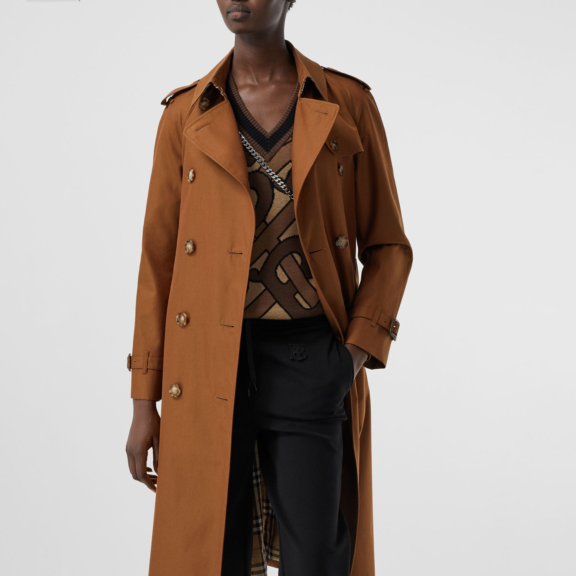 The Waterloo Heritage Trench Coat in Chestnut Brown - Women | Burberry - gallery image 10