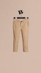 Pantalon chino léger en sergé de coton