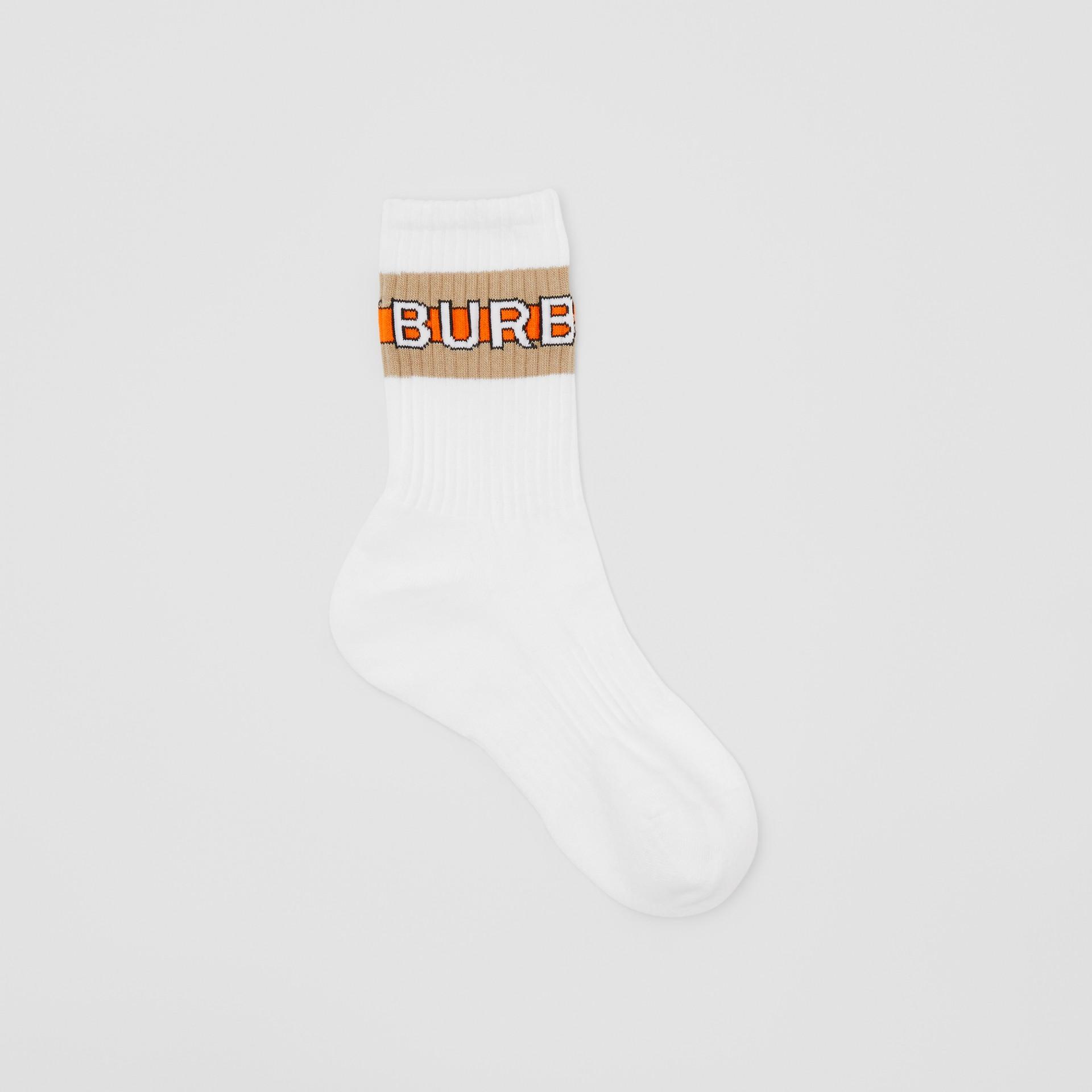 徽標嵌花棉質混紡襪 (白色) | Burberry - 圖庫照片 0