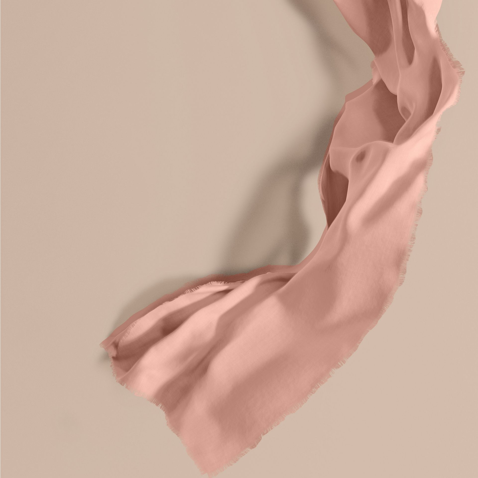 The Lightweight Cashmere Scarf Rose - gallery image 1