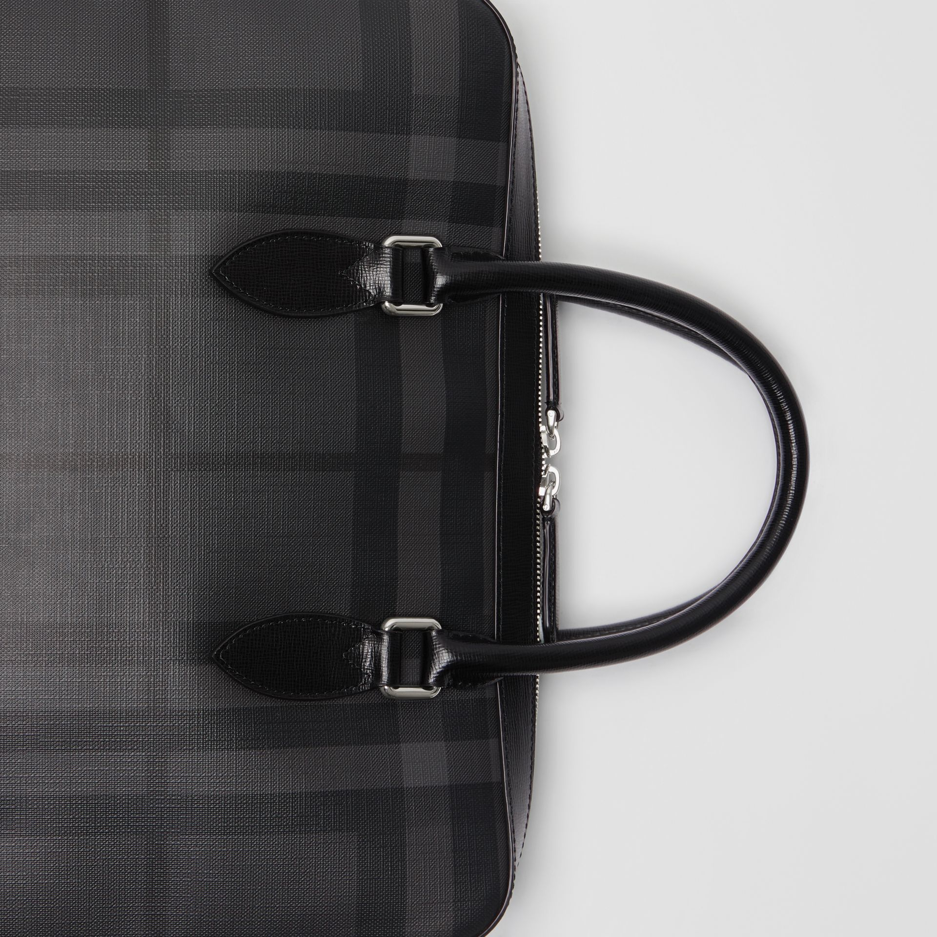Sac The Barrow fin avec motif London check (Anthracite/noir) - Homme | Burberry Canada - photo de la galerie 1