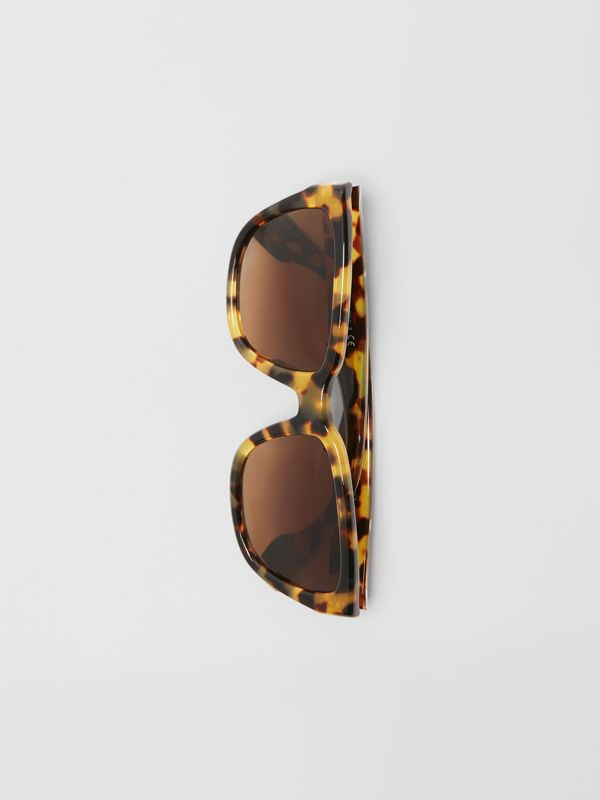 Square Frame Sunglasses in Tortoise Shell - Women | Burberry United States - cell image 3