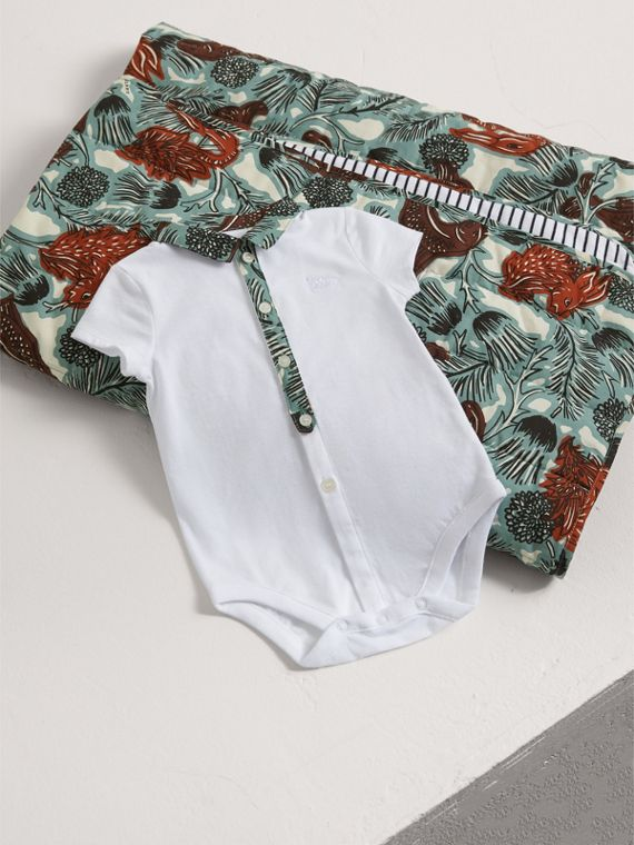 Beasts Print Cotton Two-piece Baby Gift Set in White