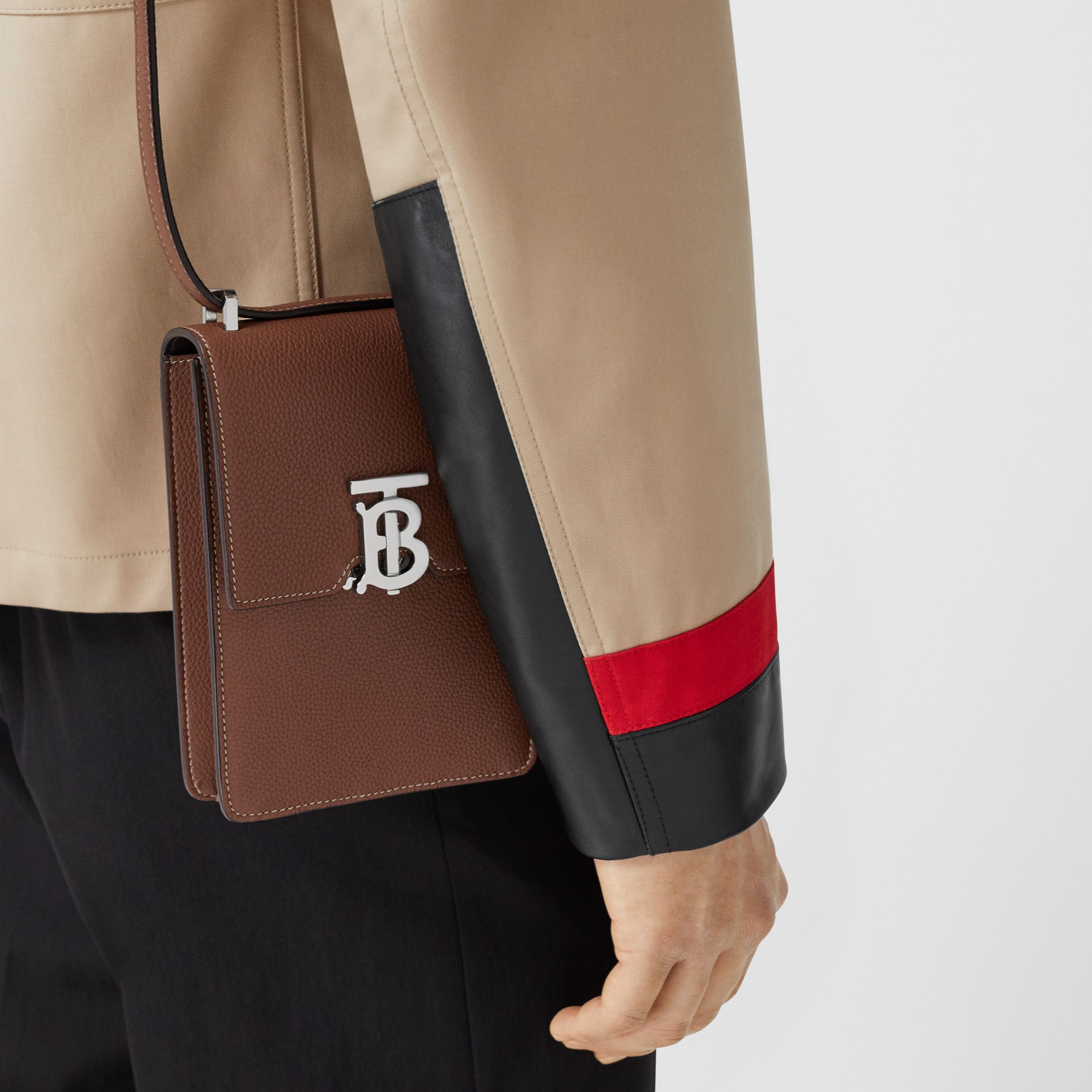 Grainy Leather Robin Bag in Tan | Burberry - 4