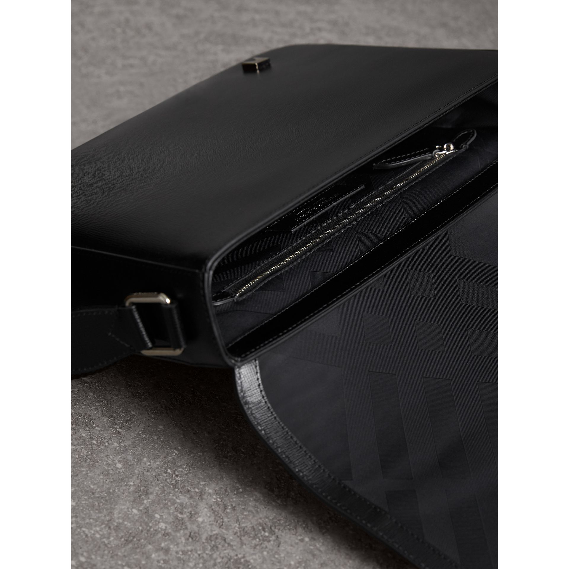 Medium London Leather Messenger Bag in Black - Men | Burberry United Kingdom - gallery image 4
