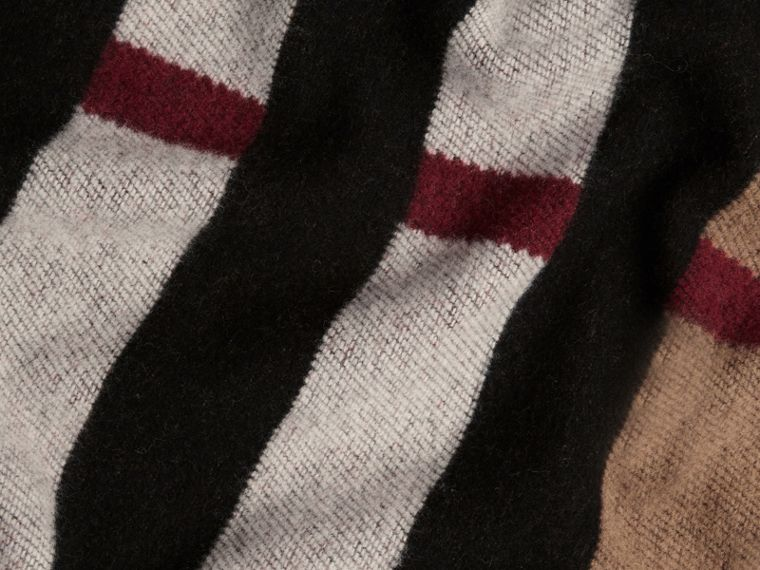 Check Wool Cashmere Blanket in House Check/black | Burberry United States - cell image 1