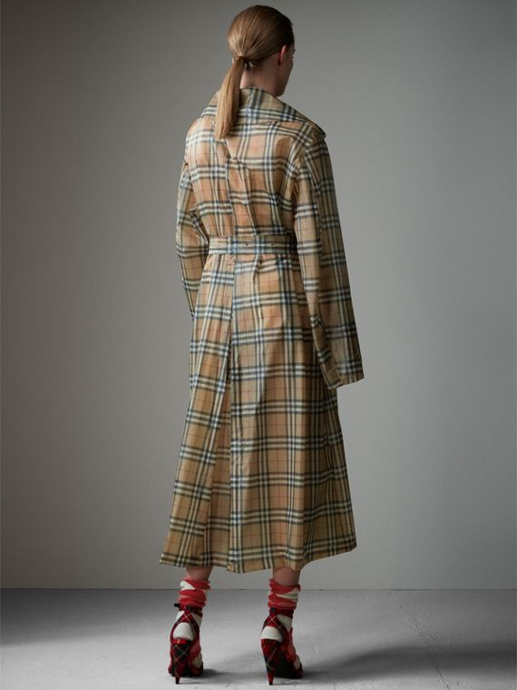 Vintage Check Soft-touch Plastic Single-breasted Coat in Antique Yellow - Women | Burberry - cell image 2
