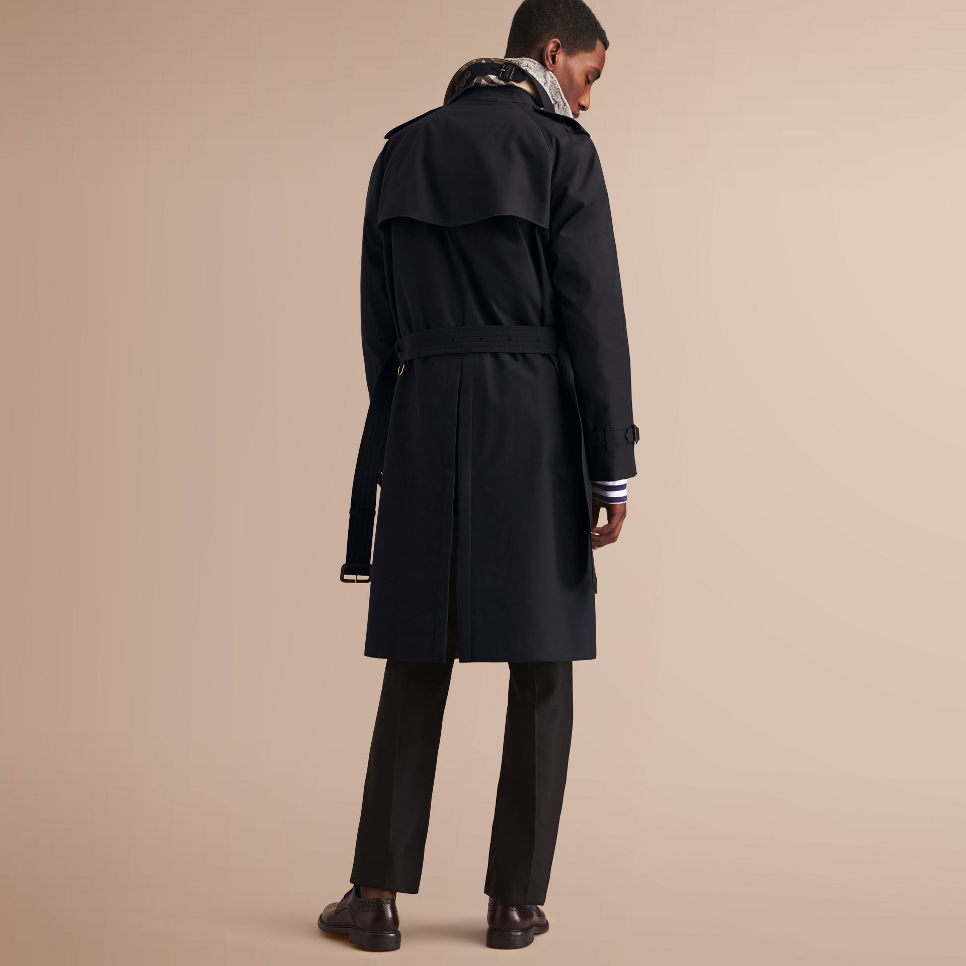 The Westminster – Long Heritage Trench Coat in Navy - Men | Burberry - gallery image 3
