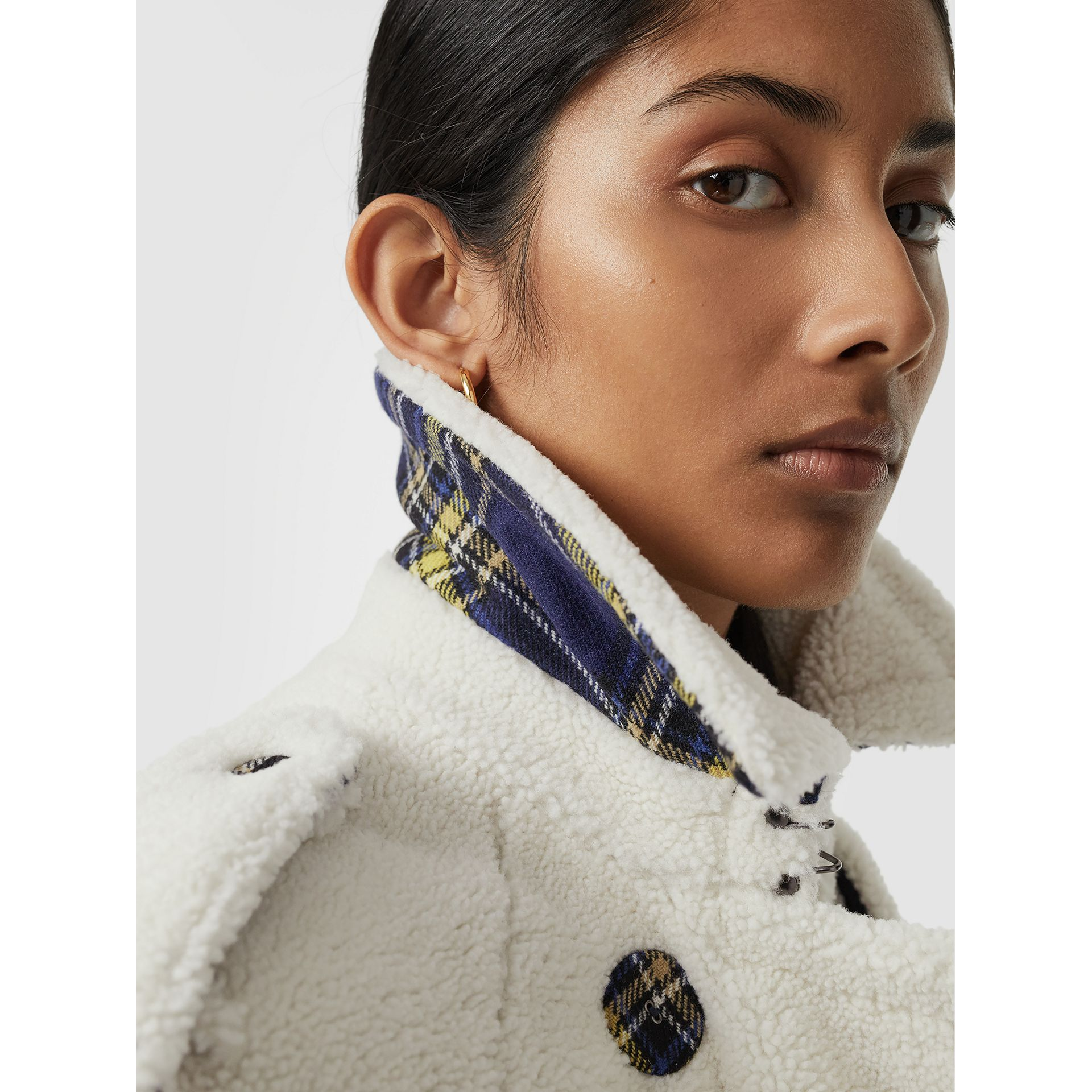 Tartan-lined Shearling Trench Coat in Off White - Women | Burberry - gallery image 1