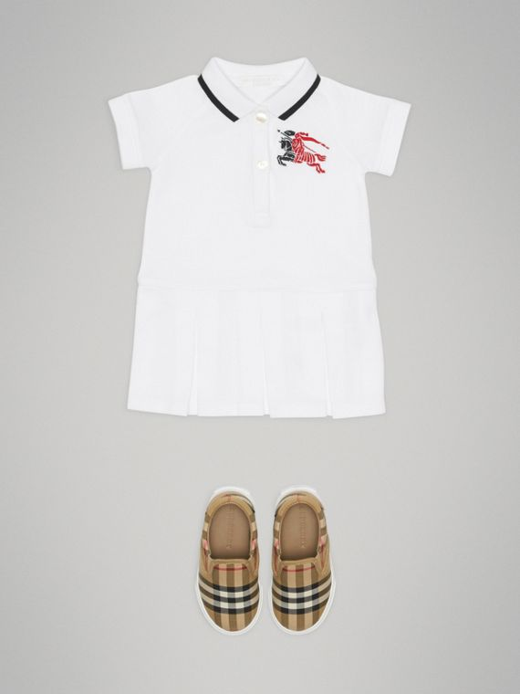 Vestido polo de algodão com listra e logo (Branco)