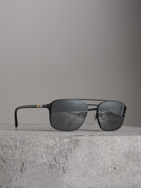 Square Frame Metal Sunglasses in Black/grey